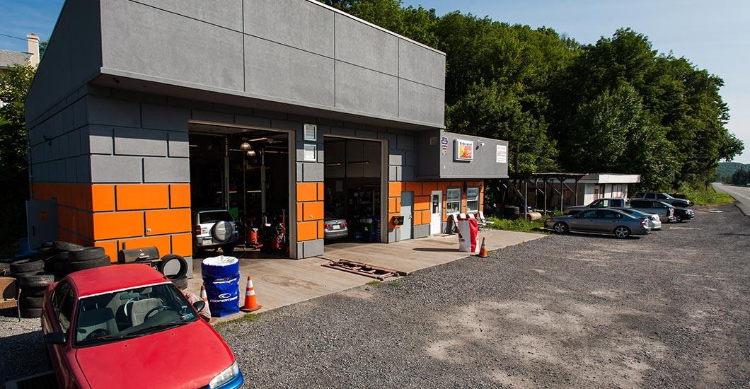 Two bay auto repair shop, modern facility, professional auto repair, inspection station professional auto repair, European auto repair, inspection station, mechanic, hones mechanic, professional mechanic,